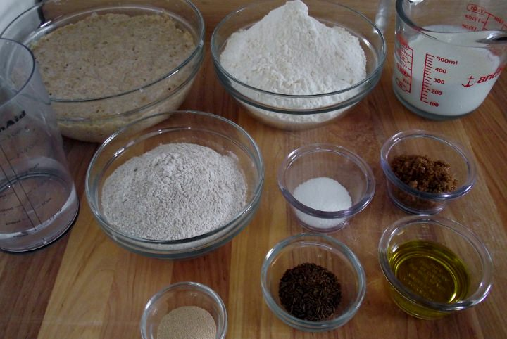 Ingredients for rye bread.