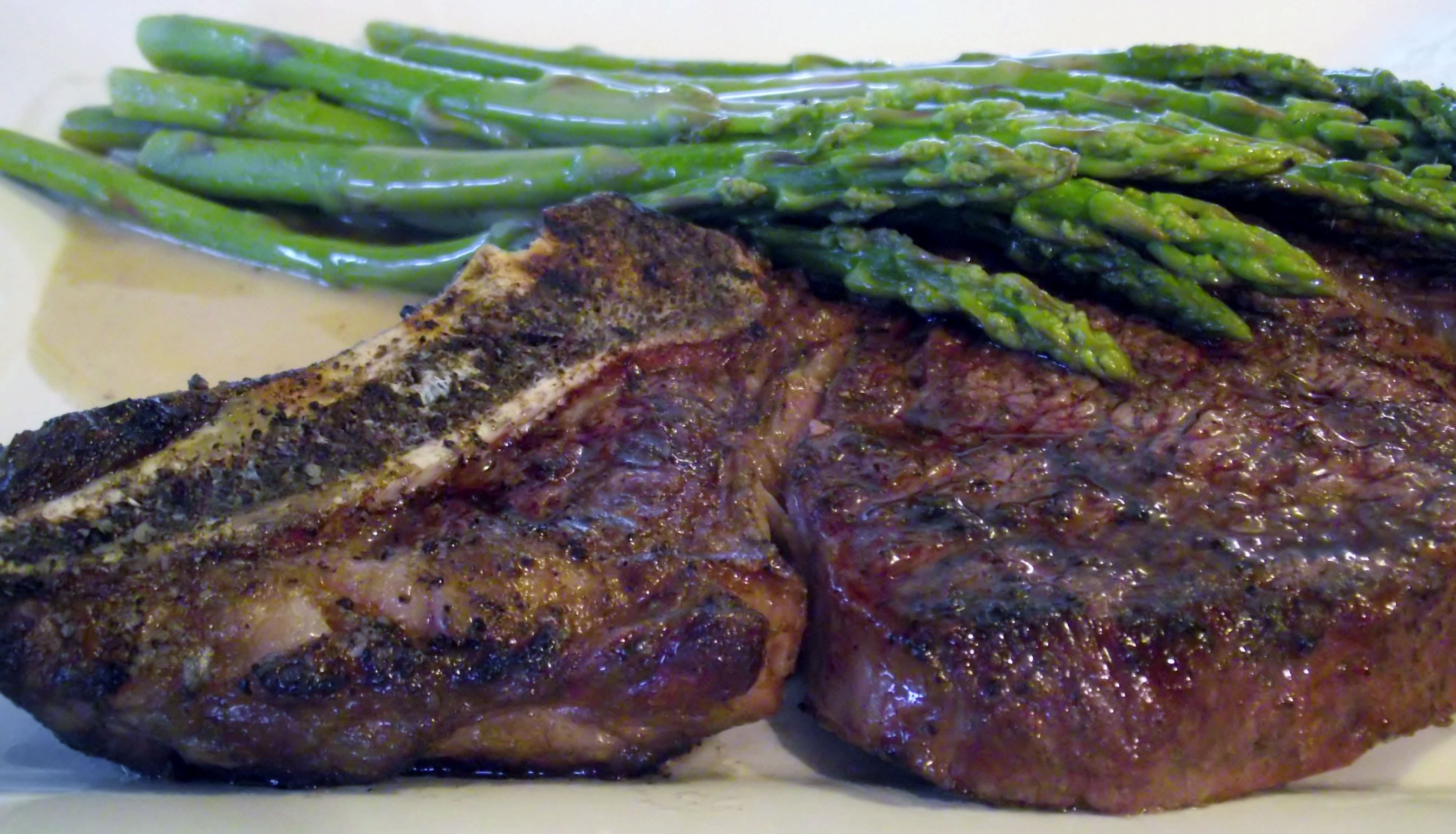 Grilled beef ribeye, sautee asparagus, and beurre blanc.