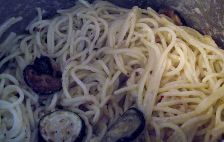 Zucchini pasta in the pot.
