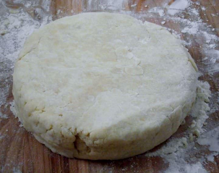 Classic 3-2-1 pastry dough.